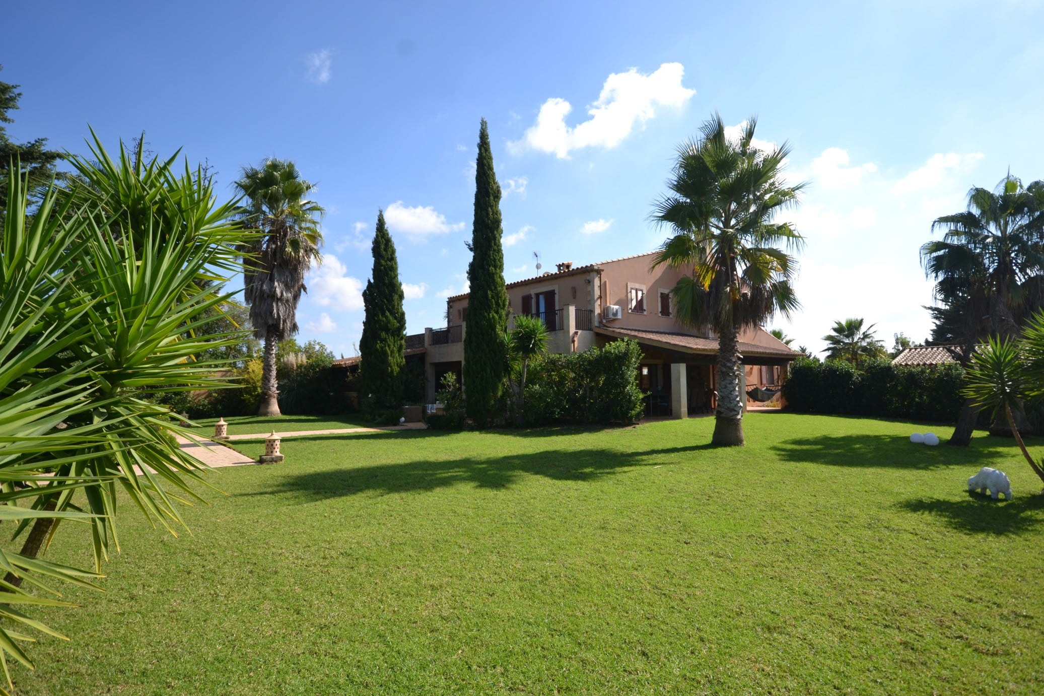 Large luxury finca with nice views and pool in Felanitx
