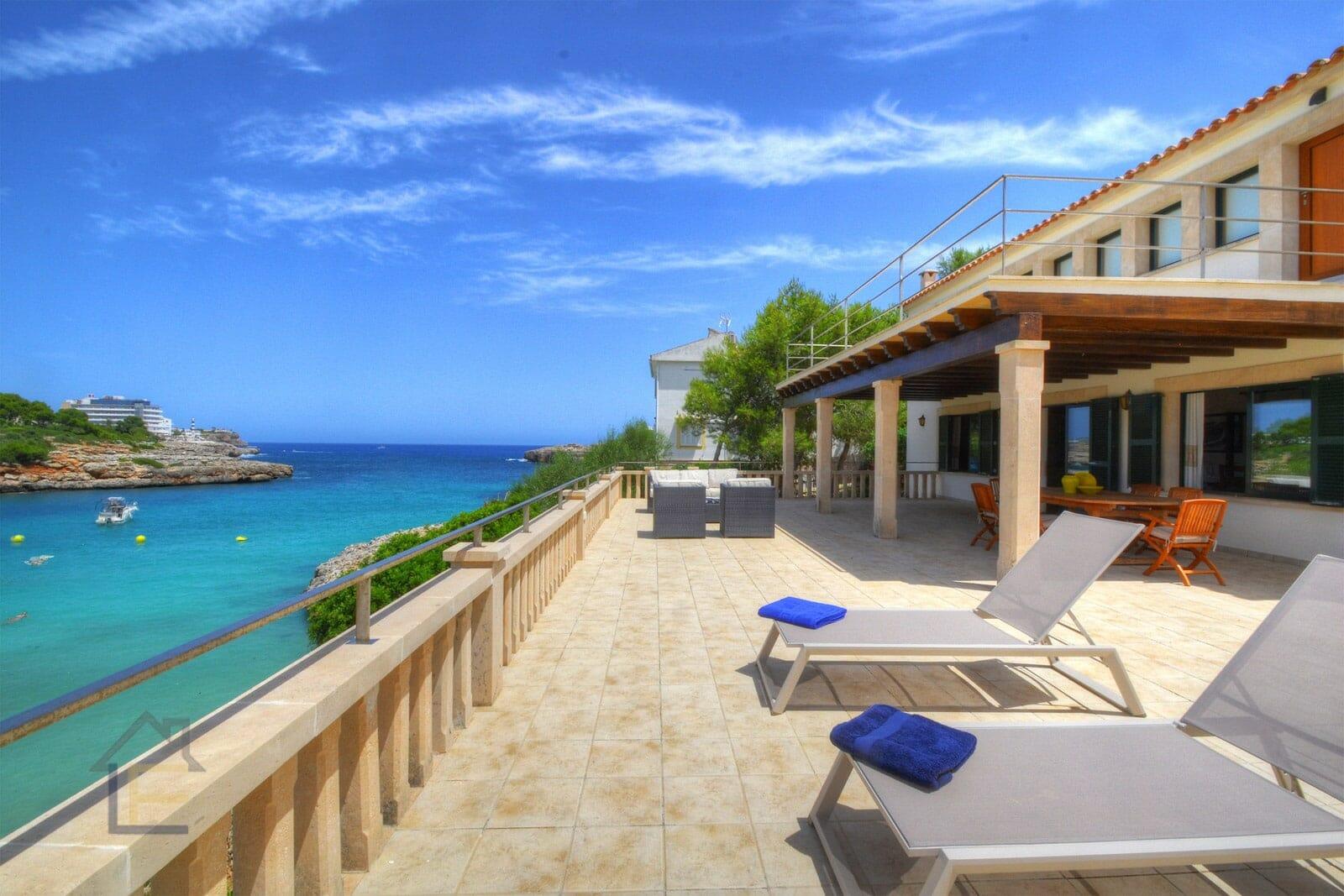 Luxus Villa direkt am Strand in Portocolom mit ETV Lizenz