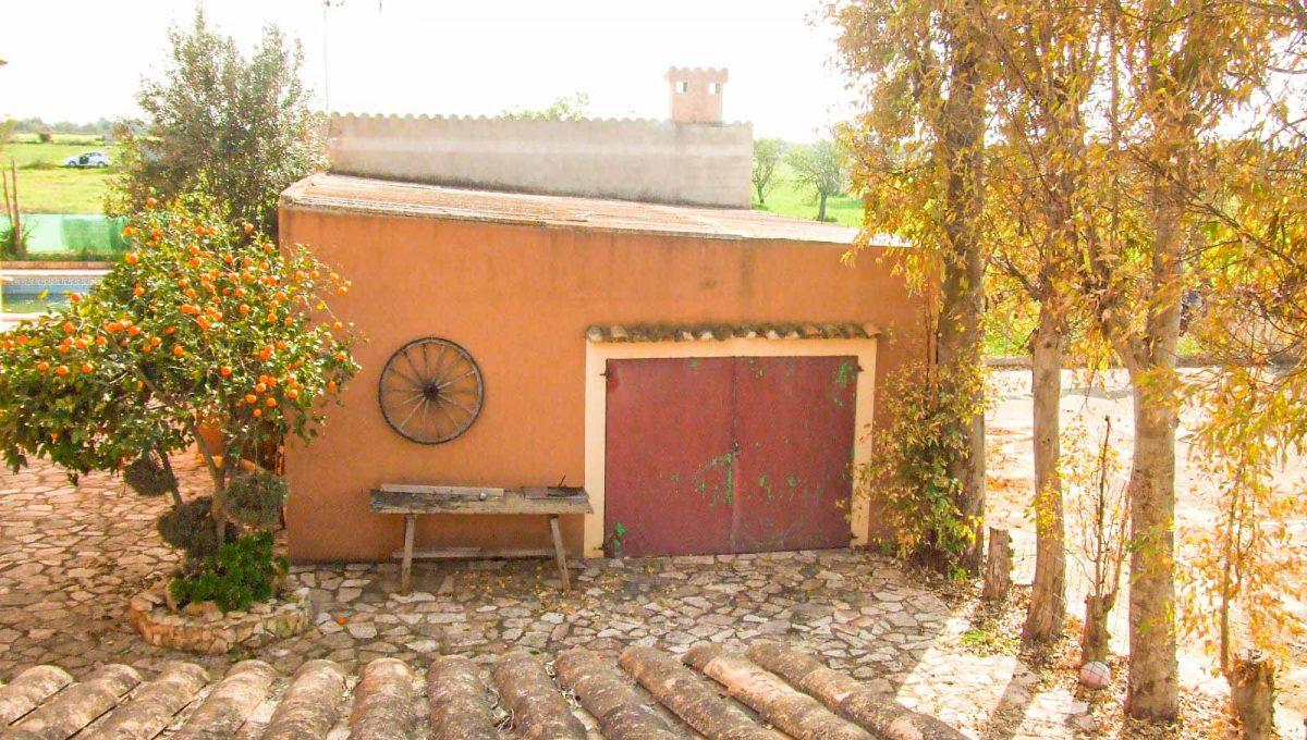 finca-felanitx-garage-patio-hinterhof