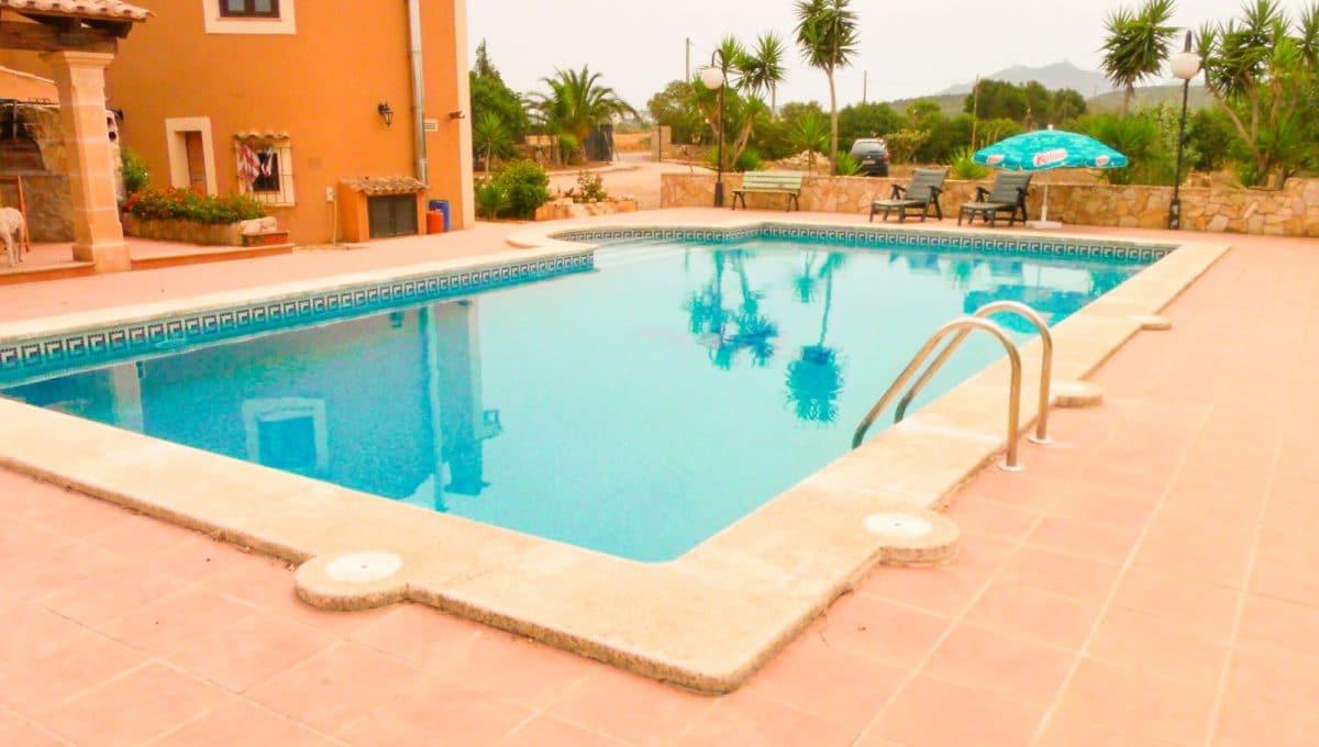 finca-felanitx-pool-sommer-terrasse-anlage
