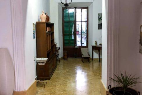 Eingang von mallorquinischen Haus in Felanitx