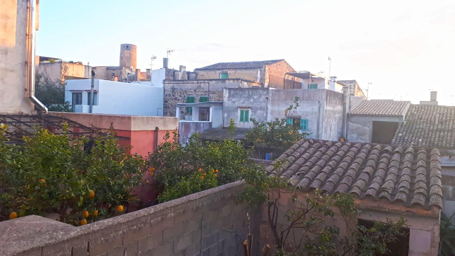 Stadthaus mit patio zum Renovieren in Felanitx