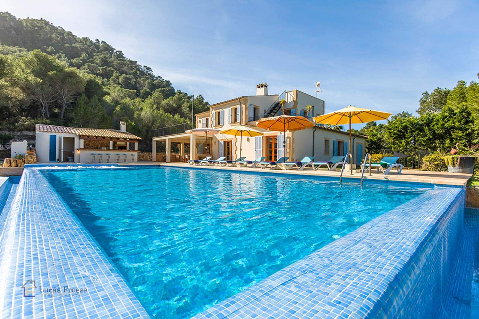 Impressive finca with swimming pool near Sant Salvador in Felanitx