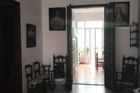 Felanitx-Herrenhaus-Stadthaus-Flur-Sicht-auf-Patio