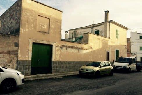 Felanitx-Herrenhaus-Stadthaus-Fassade-Strassenansicht