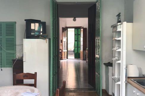 Felanitx-Herrenhaus-Stadthaus-Wohnzimmer-Ausgang-Patio