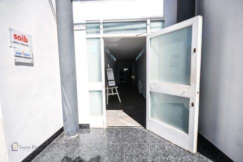 Eingang Gewerbeimmobilie Felanitx Mallorca