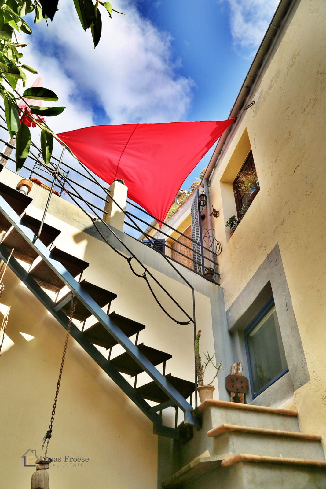Renovated townhouse with many terraces in Felanitx