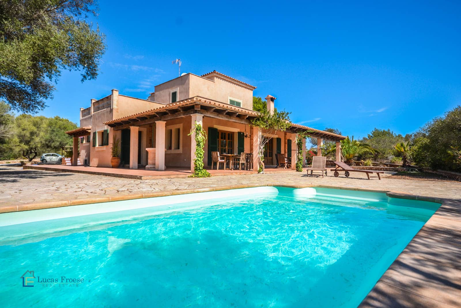 Finca with Swimmingpool only 2 Km from the beach of Portocolom