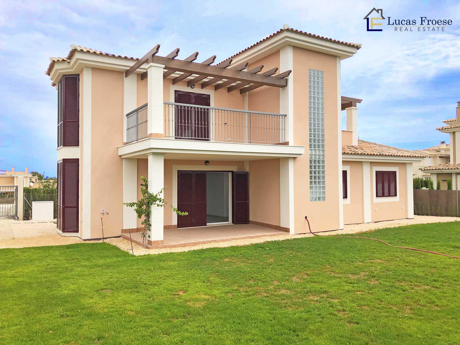 Mediterrane Neubau Villa mit optionalem Swimmingpool in Cala Murada
