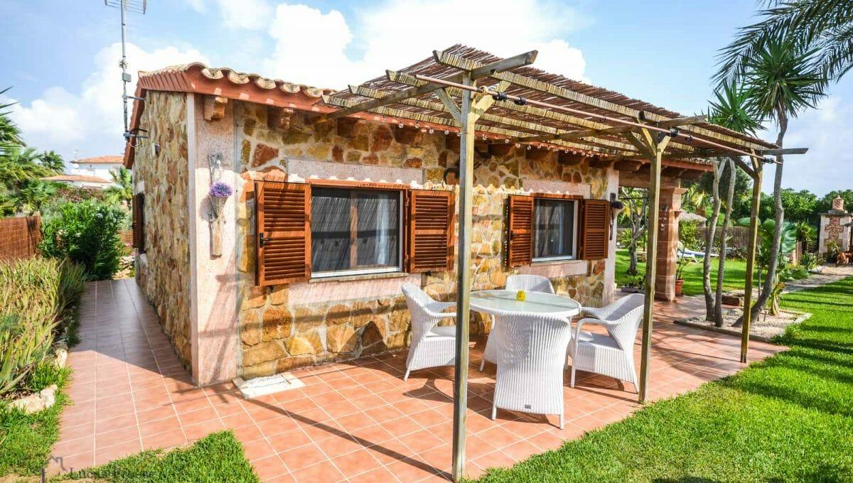 villa-spanien-hauskauf-investition-terrasse