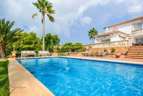 villa-spanien-hauskauf-investition-anwesen-pool