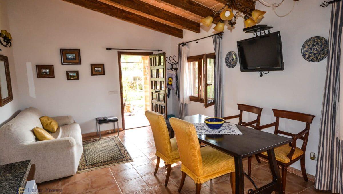 villa-spanien-hauskauf-investition-vermietungslizenz-ferien-gäste