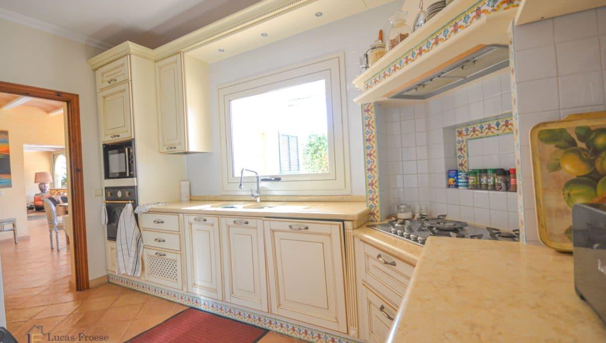 Finca S'horta Küche in Vintage Stil