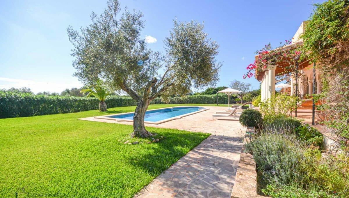 Finca S'horta Pool und Garten auf Mallorca