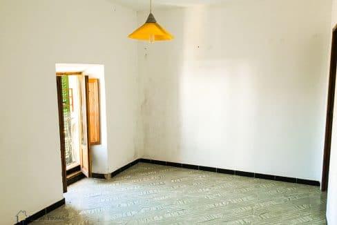 dorfhaus-wohnung-investition-wohnzimmer