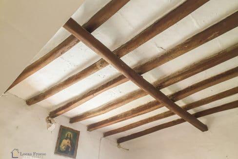 herrenhaus-felanitx-eckenbalken-echtholz