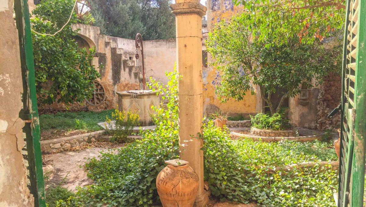 herrenhaus-felanitx-garten-patio-innenhof