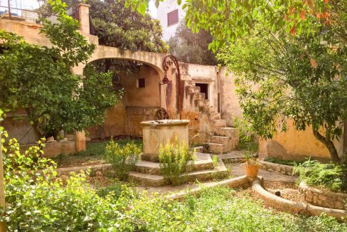herrenhaus-felanitx-garten-innenhof-pflanzen