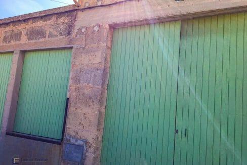 garage-mit-grundstück-dorf-garten-kaufen-mallorca