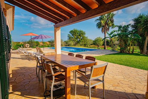 lf0085-finca-calonge-2-etagen-terrasse-pool-garten
