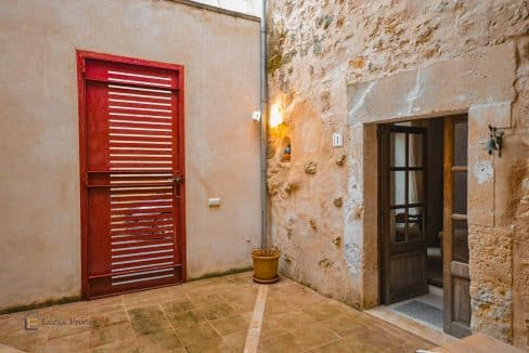 Haus-Dorf-Stadt-Porreres-Mallorca-2-Etagen