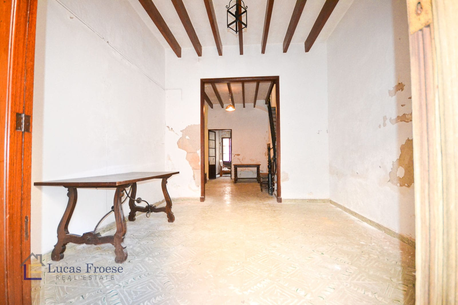 Small townhouse to invest in Felanitx