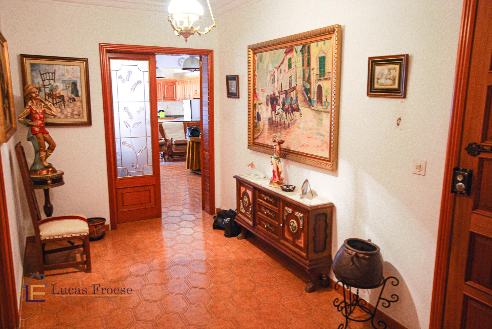 Large apartment in Manacor with roof terrace