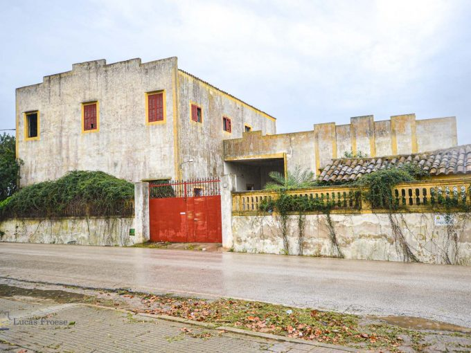 Fabrikgebäude Felanitx Aussenansicht