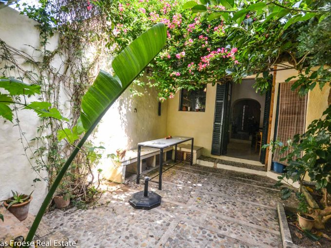 Ruhiger Innenhof mit Pflanzen Felanitx Mallorca
