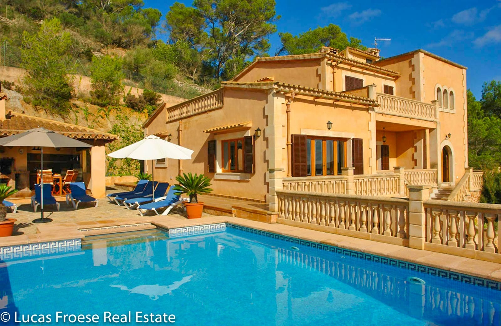 Traditional Mallorcan finca with panoramic sea view