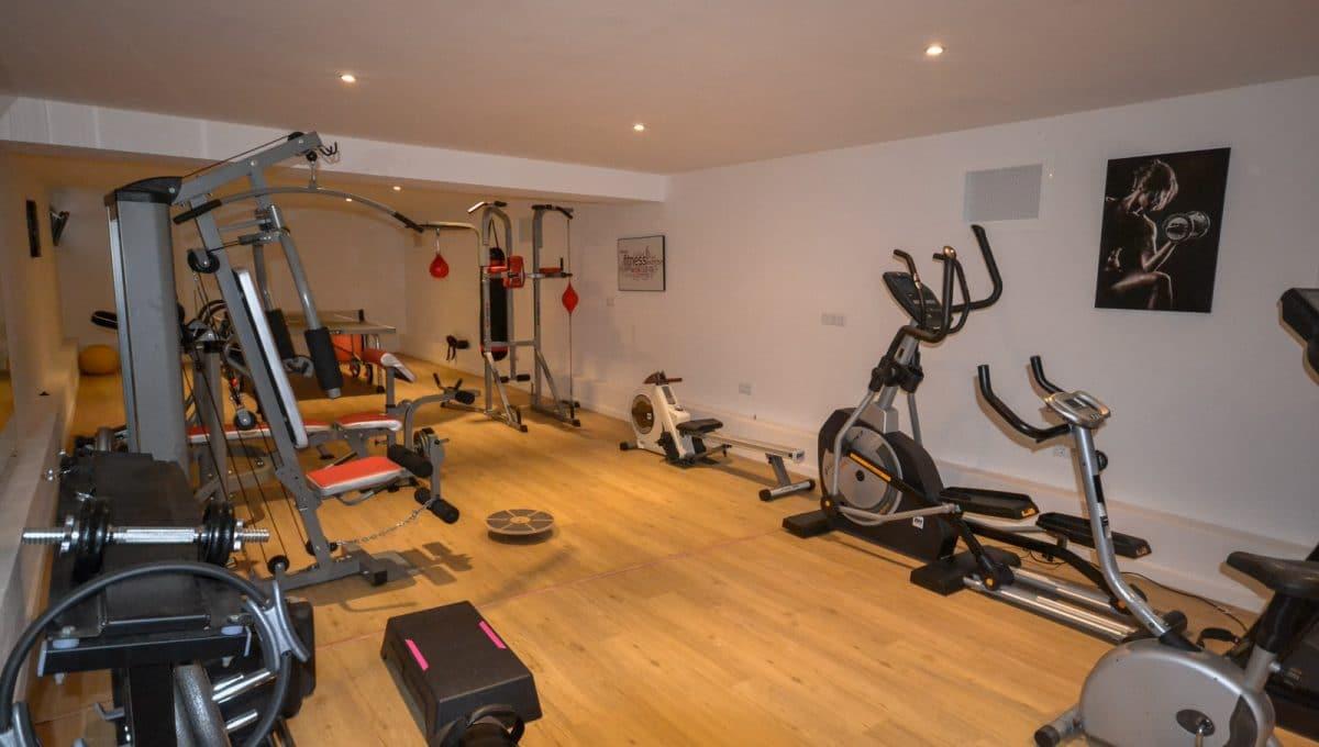 Fitnessstudio mit pingpong Landhaus Felanitx