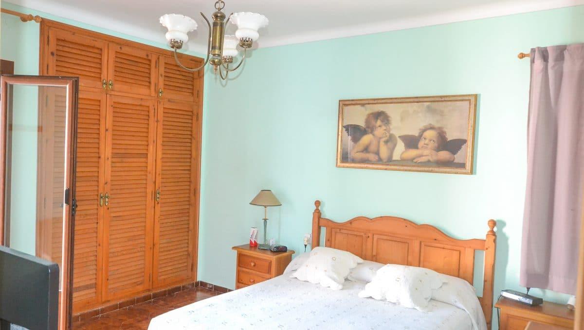 Hauptschlafzimmer mit Zugang zum Garten Portocolom