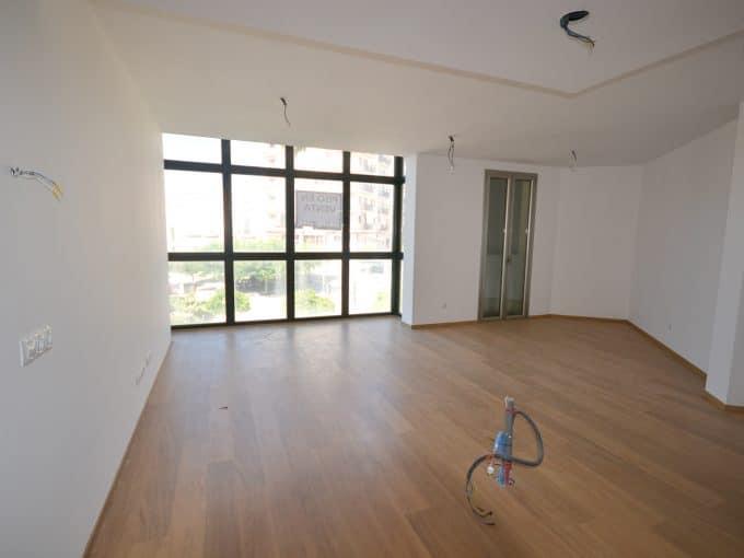 Helles Wohnzimmer mit Blick auf der Platz Felanitx