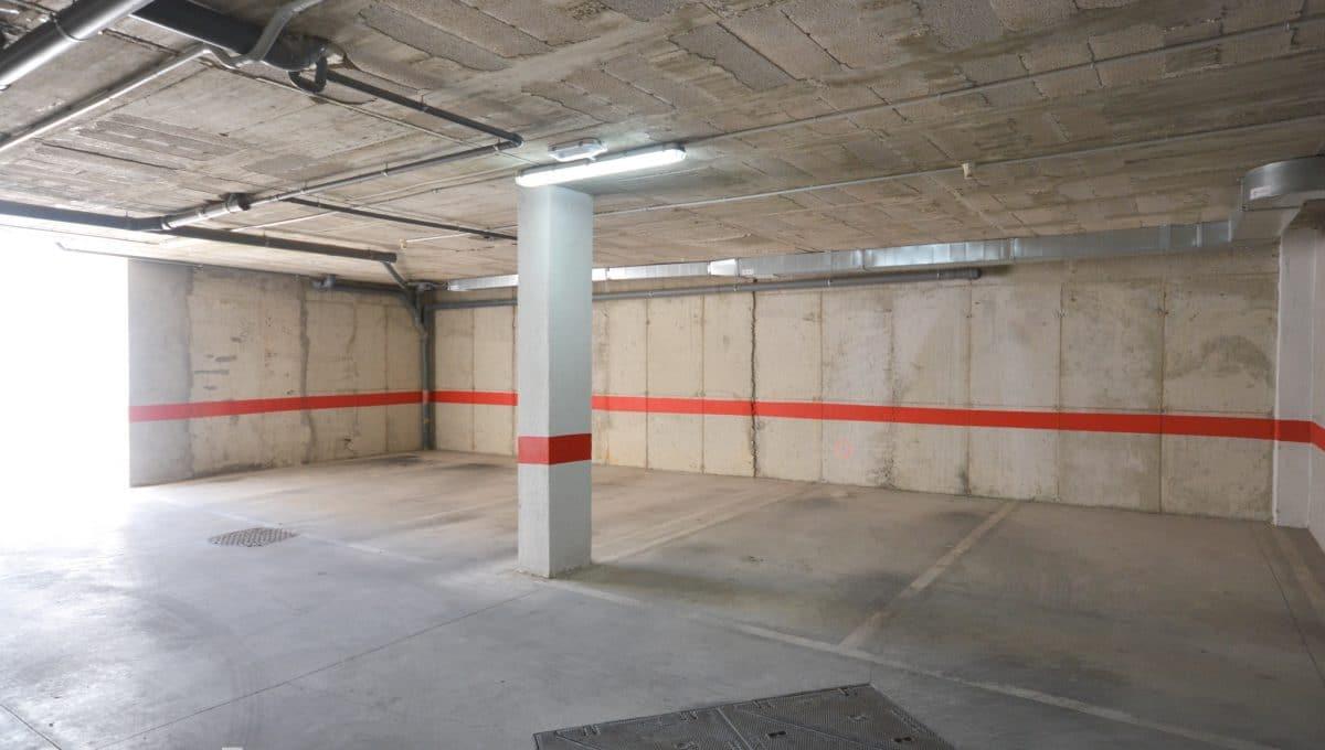 Weiter und heller Parkplatz Wohnung Felanitx