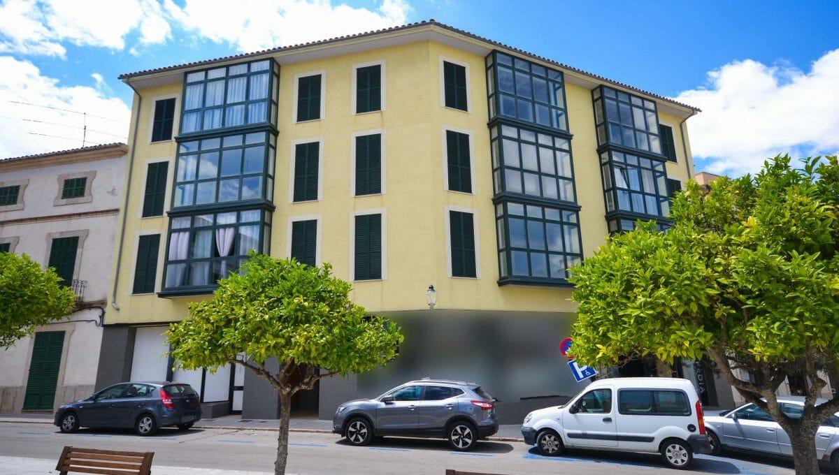 Schöne und moderne Fassade Wohnung Felanitx