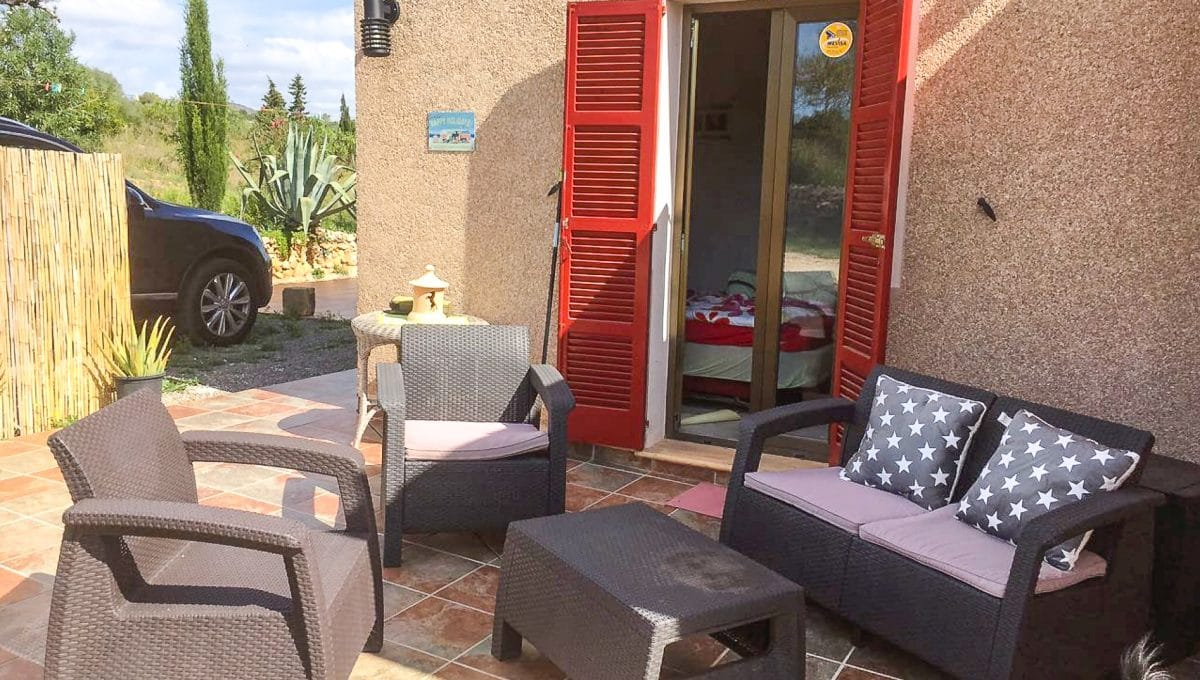 Terrasse mit Sofas zum Entspannen Mallorca
