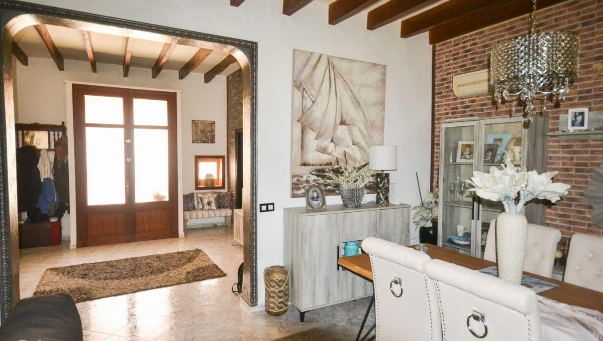 Eingang und schönes Wohnzimmer Felanitx Mallorca