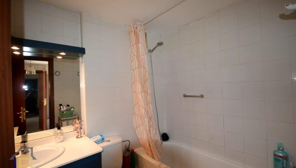 badezimmer mit badewanne in felanitx