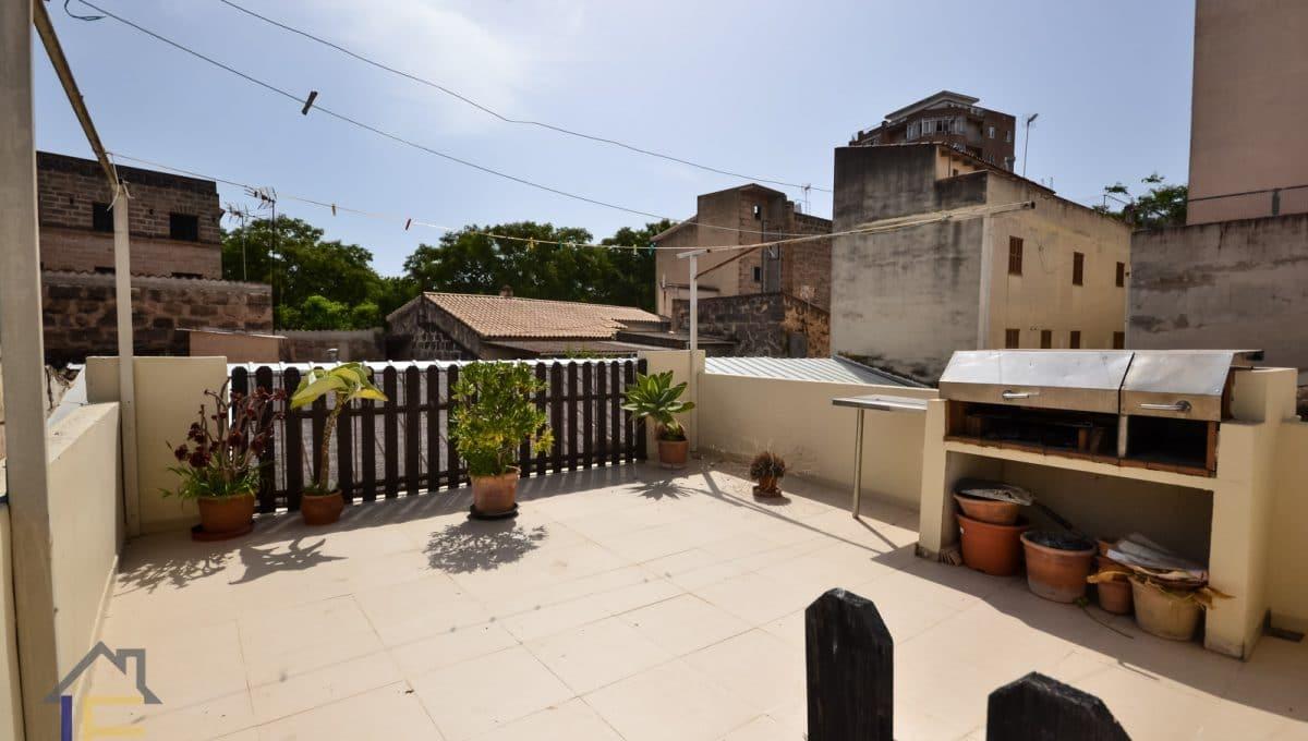 Geräumige Terrasse mit Grill im Zentrum von Manacor