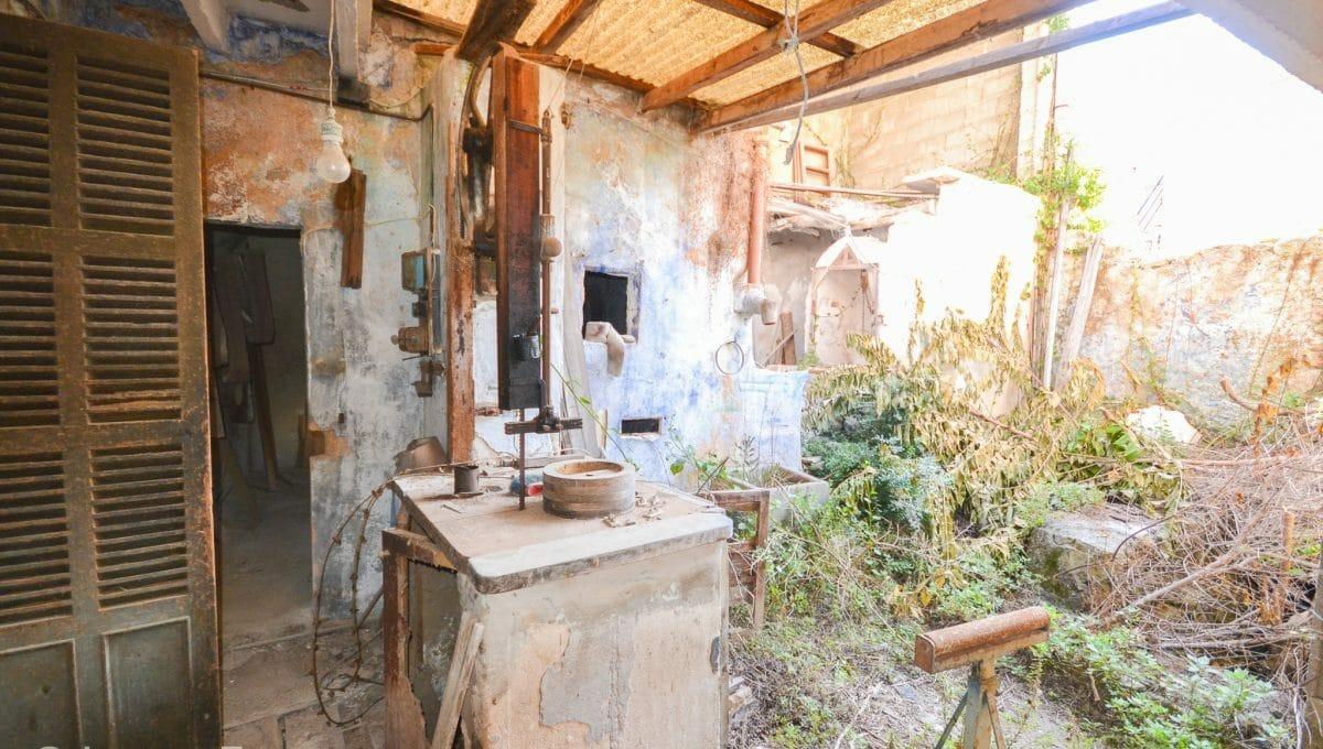 Mallorquinischer Innenhof mit Brunnen Felanitx Mallorca