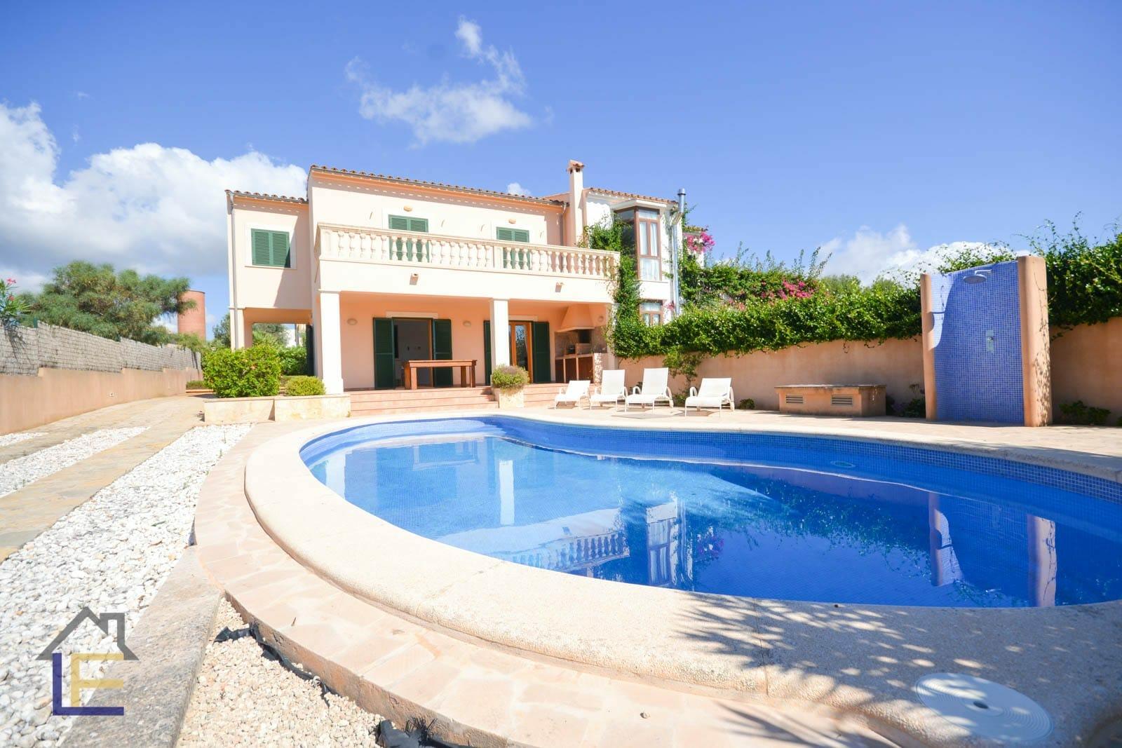Fantastische Chalet mit Pool in Calas de Mallorca zu vermieten