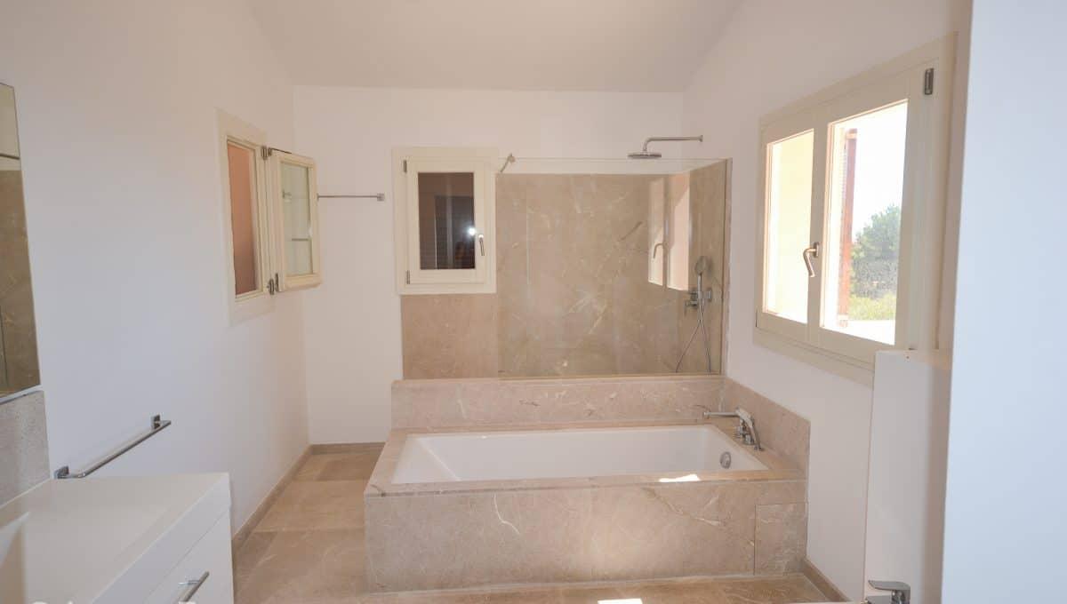 Moderne Badezimmer mit Badewanne Haus Mallorca