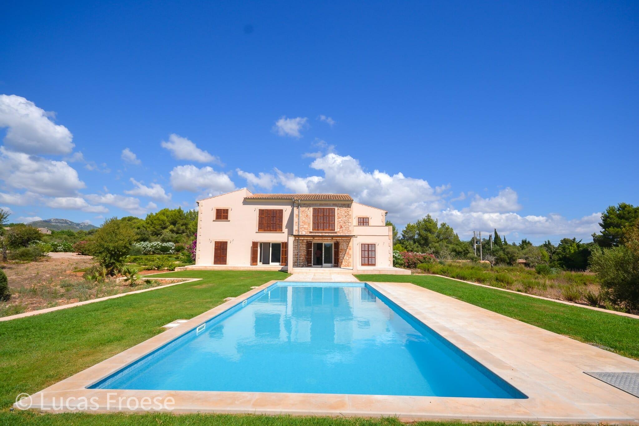 Luxus Finca mit Gästehaus in Portocolom