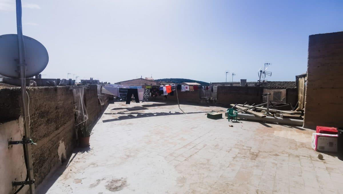 weitläufige Dachterrasse mit blick in felanitx