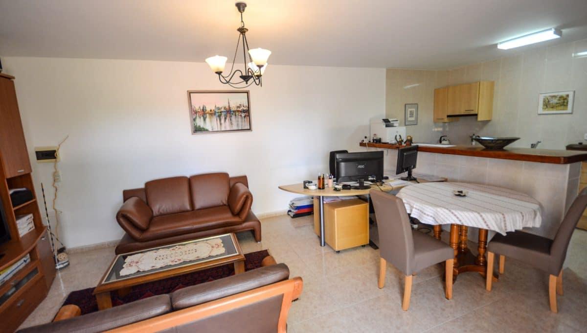 Wohnzimmer un Esszimmer in Apartment