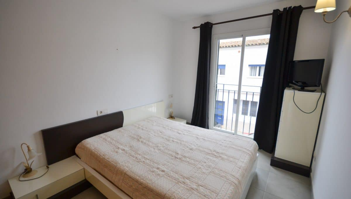 Briete und helle schlafzimmer in ein neubau