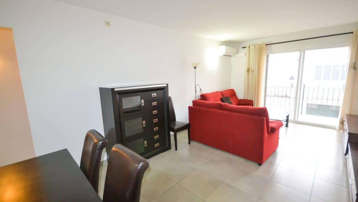 Wohnzimmer mit Balkon in Felanitx