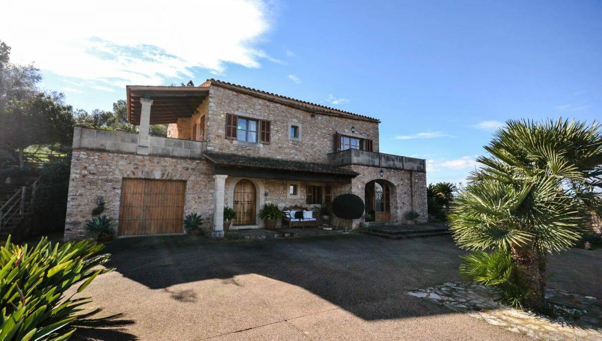 Blick auf das Luxus Haus in Cas Concos