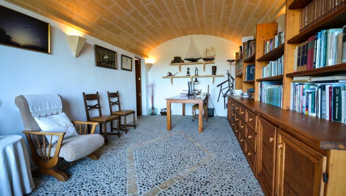 Zimmer mit alter Bogen un Steinboden